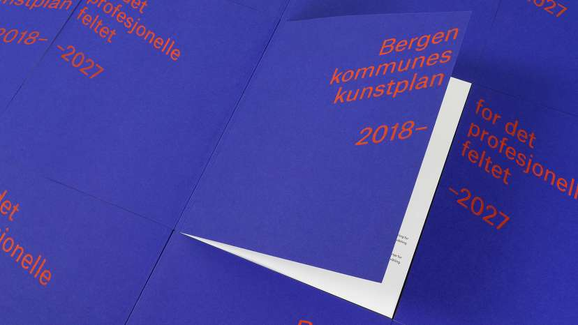 Overview of bergen kommunes kunstplan blue cover